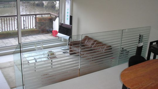 glazed-balustrades